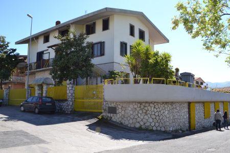http://www.progettocasa1.it/immagini_immobili/18-04-2017/soluzione-indipendente-affitto-gavignano-roma-piazza-della-repubblica-498.jpg