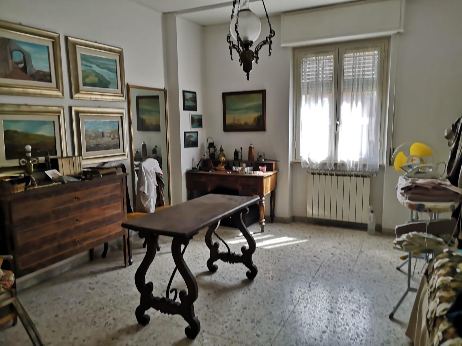 https://www.progettocasa1.it/immagini_immobili/18-05-2021/appartamento-vendita-colleferro-roma-via-martiri-delle-fosse-ardeatine5-737.jpg