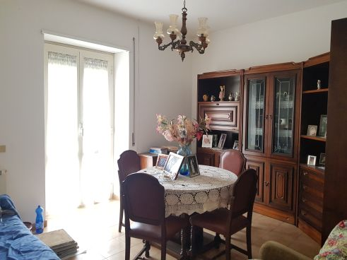https://www.progettocasa1.it/immagini_immobili/18-05-2021/appartamento-vendita-colleferro-roma-via-santa-barbara-5-722.jpg