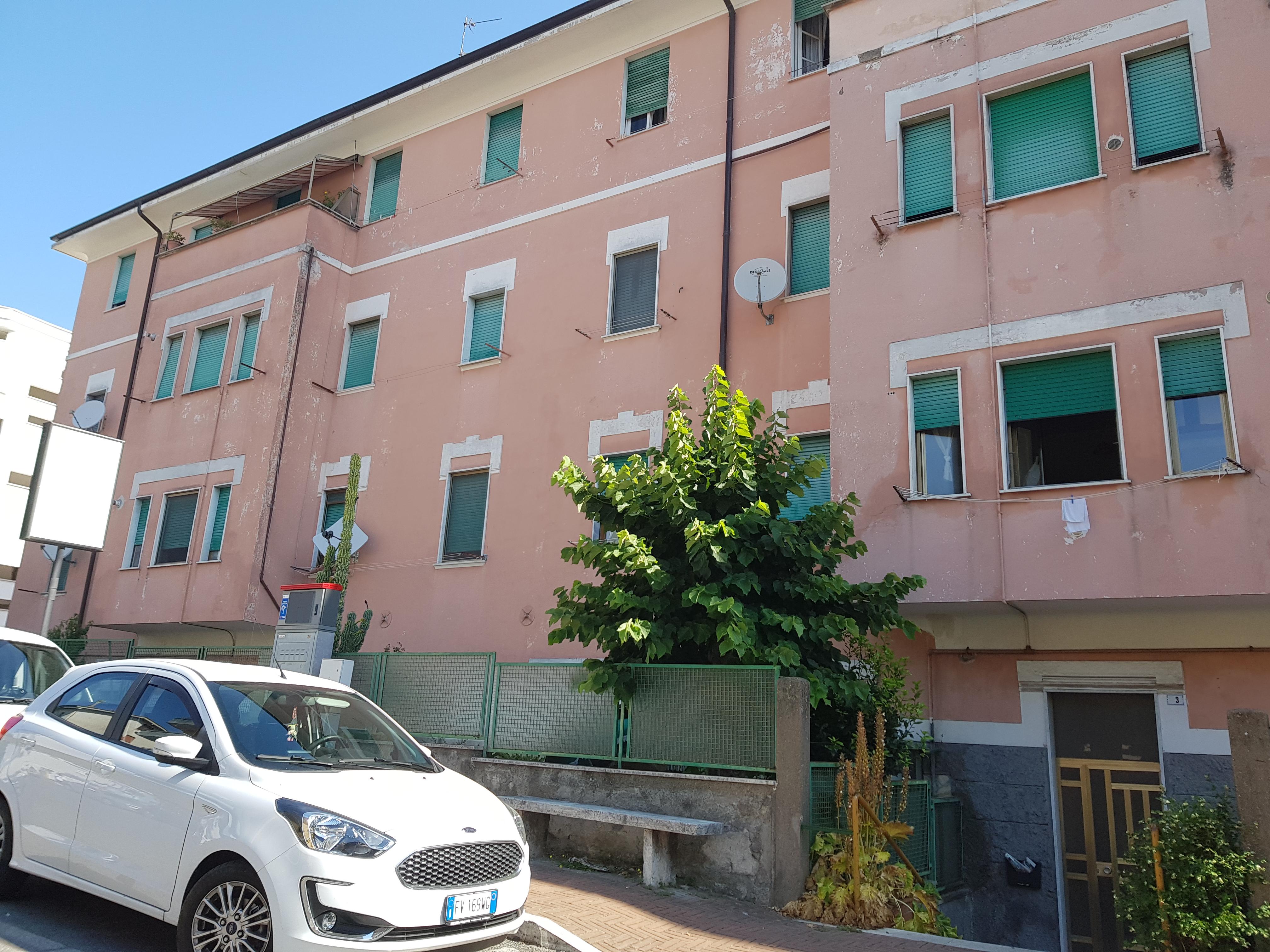https://www.progettocasa1.it/immagini_immobili/18-07-2020/appartamento-affitto-colleferro-roma-via-latina5-809.jpg