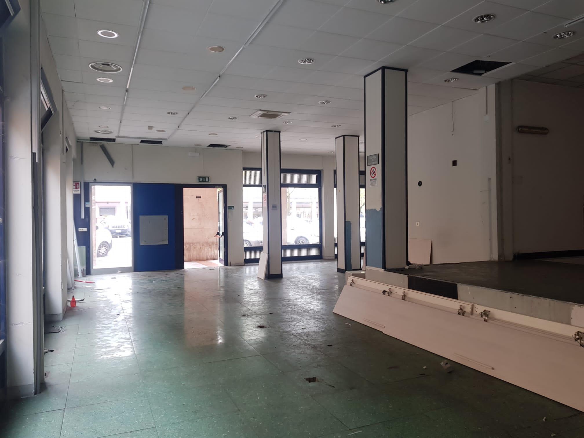 https://www.progettocasa1.it/immagini_immobili/19-04-2021/locale-commerciale-affitto-colleferro-roma-piazza-italia-23-655.jpg