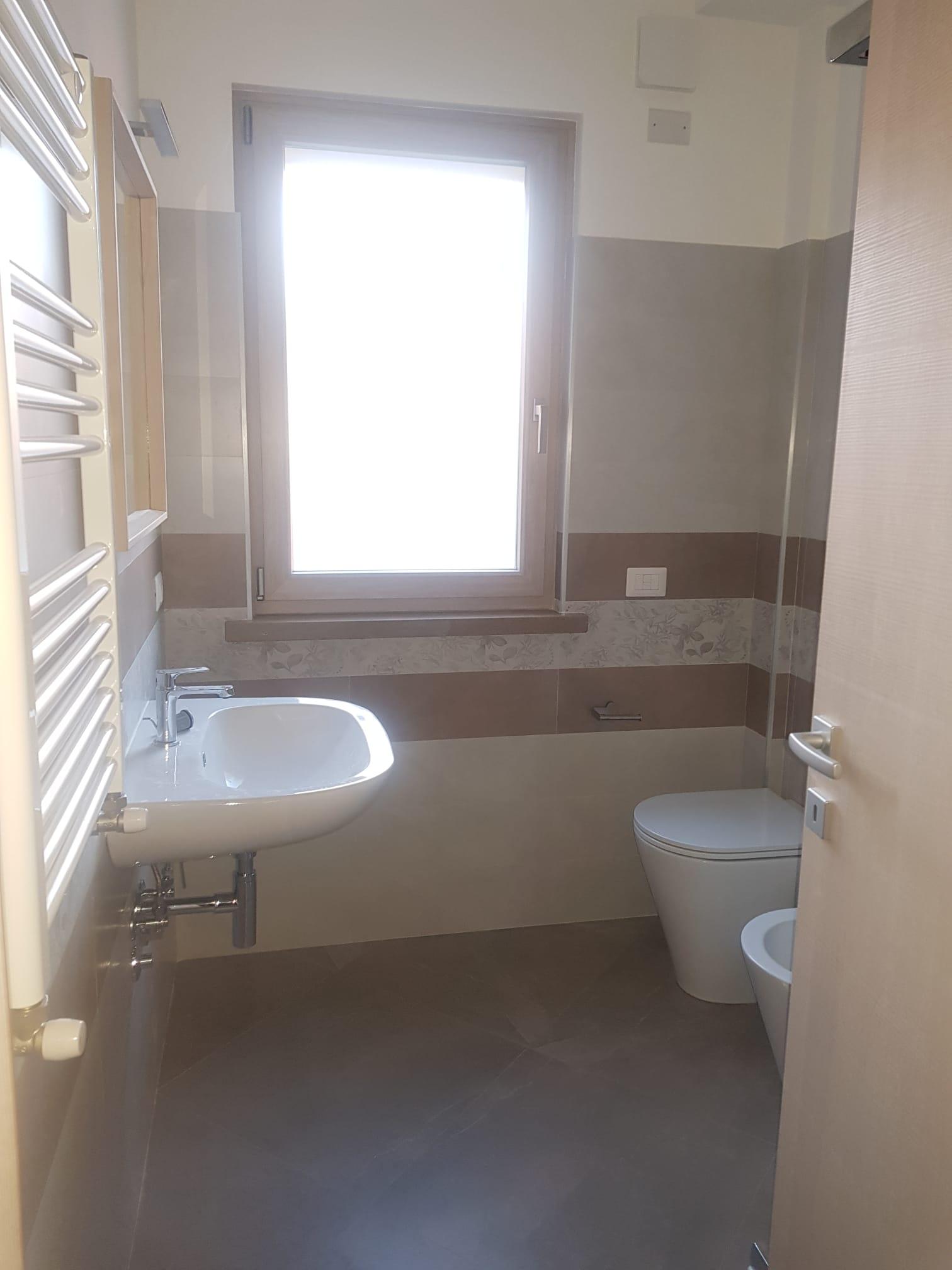 https://www.progettocasa1.it/immagini_immobili/19-05-2021/ufficio-affitto-colleferro-roma-via-dei-pioppi-24-748.jpg