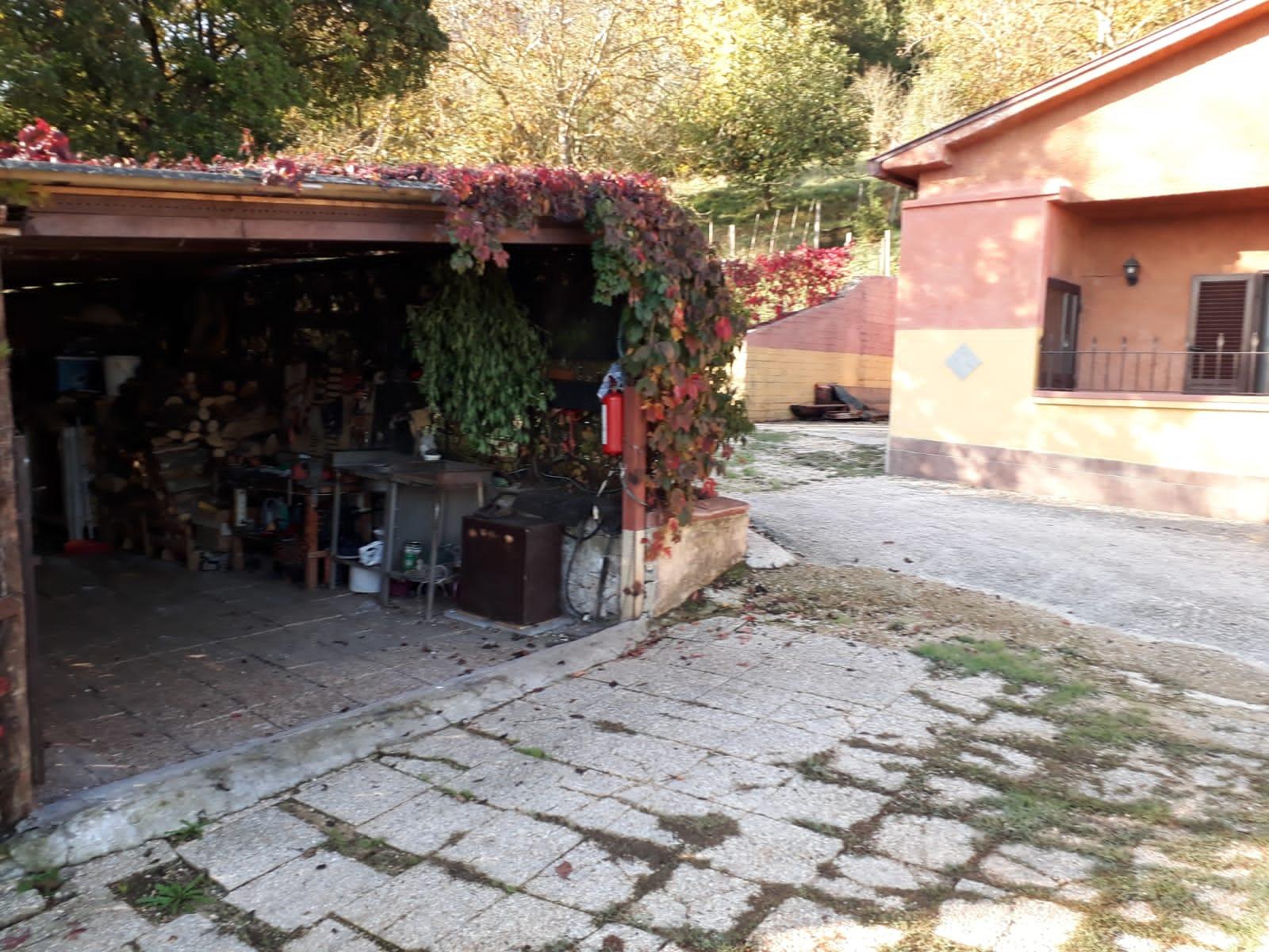 https://www.progettocasa1.it/immagini_immobili/20-12-2019/soluzione-indipendente-vendita-colleferro-roma-via-carpinetana-ovest-7-769.jpg
