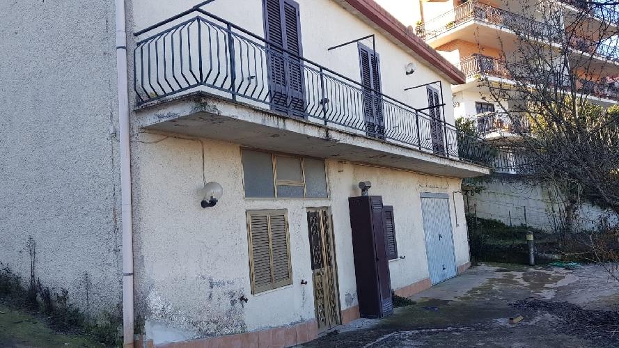 https://www.progettocasa1.it/immagini_immobili/21-01-2019/soluzione-indipendente-vendita-colleferro-roma-via-cristoforo-colombo-10-710.jpg