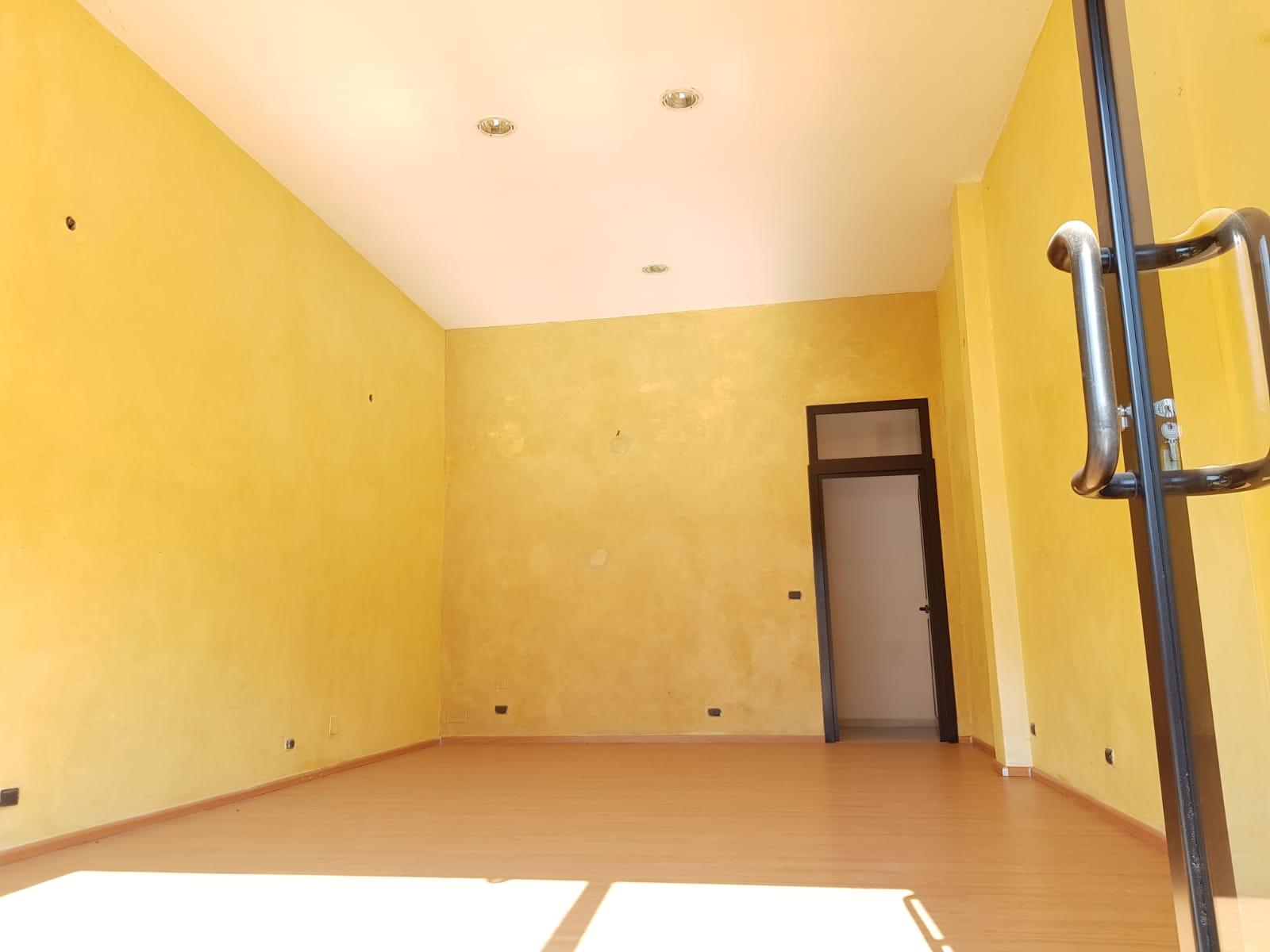 https://www.progettocasa1.it/immagini_immobili/21-02-2019/locale-commerciale-affitto-colleferro-roma-via-della-selva-235.jpg