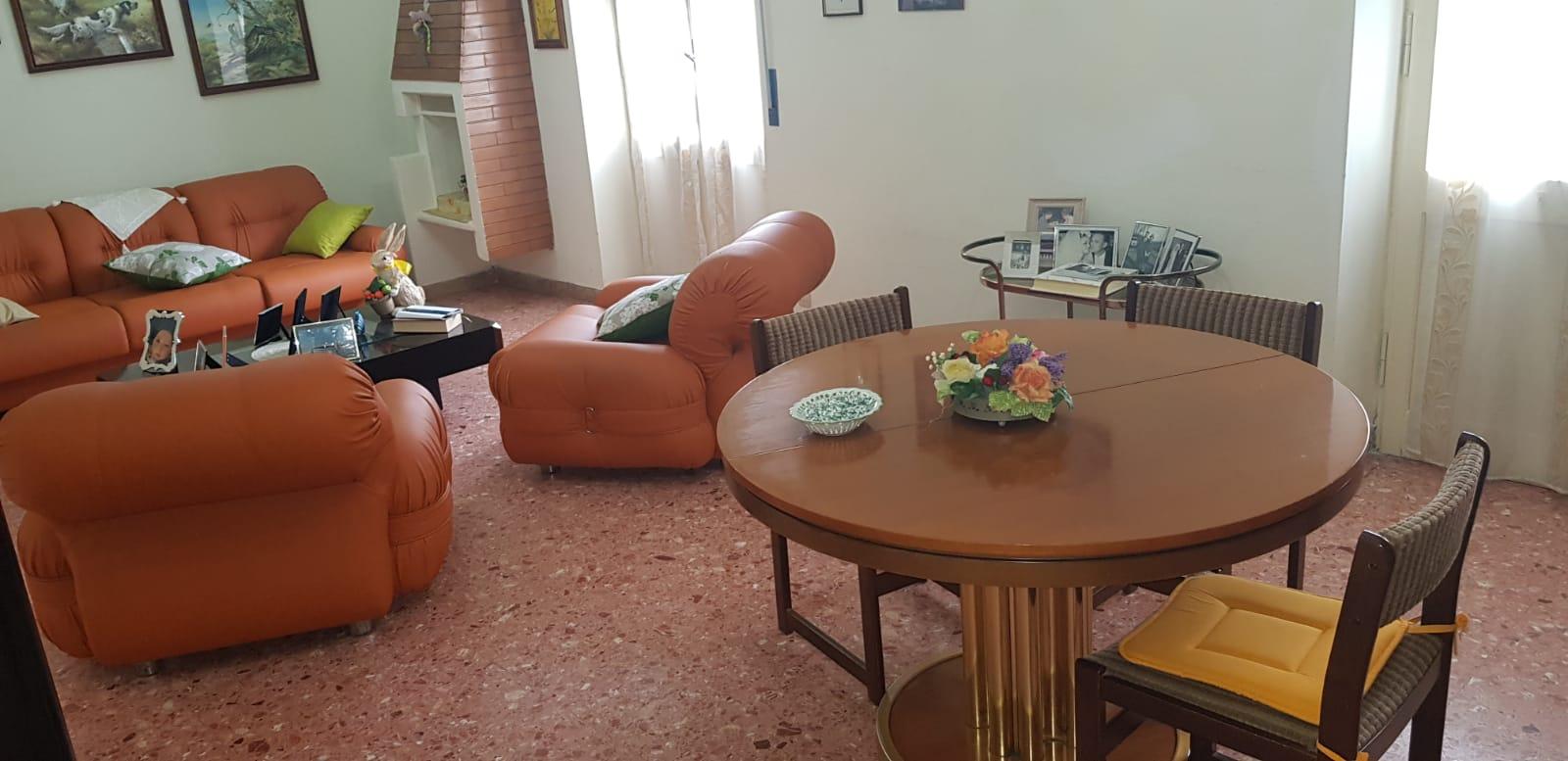https://www.progettocasa1.it/immagini_immobili/21-05-2019/appartamento-vendita-colleferro-roma-viale-savoia-67-448.jpg