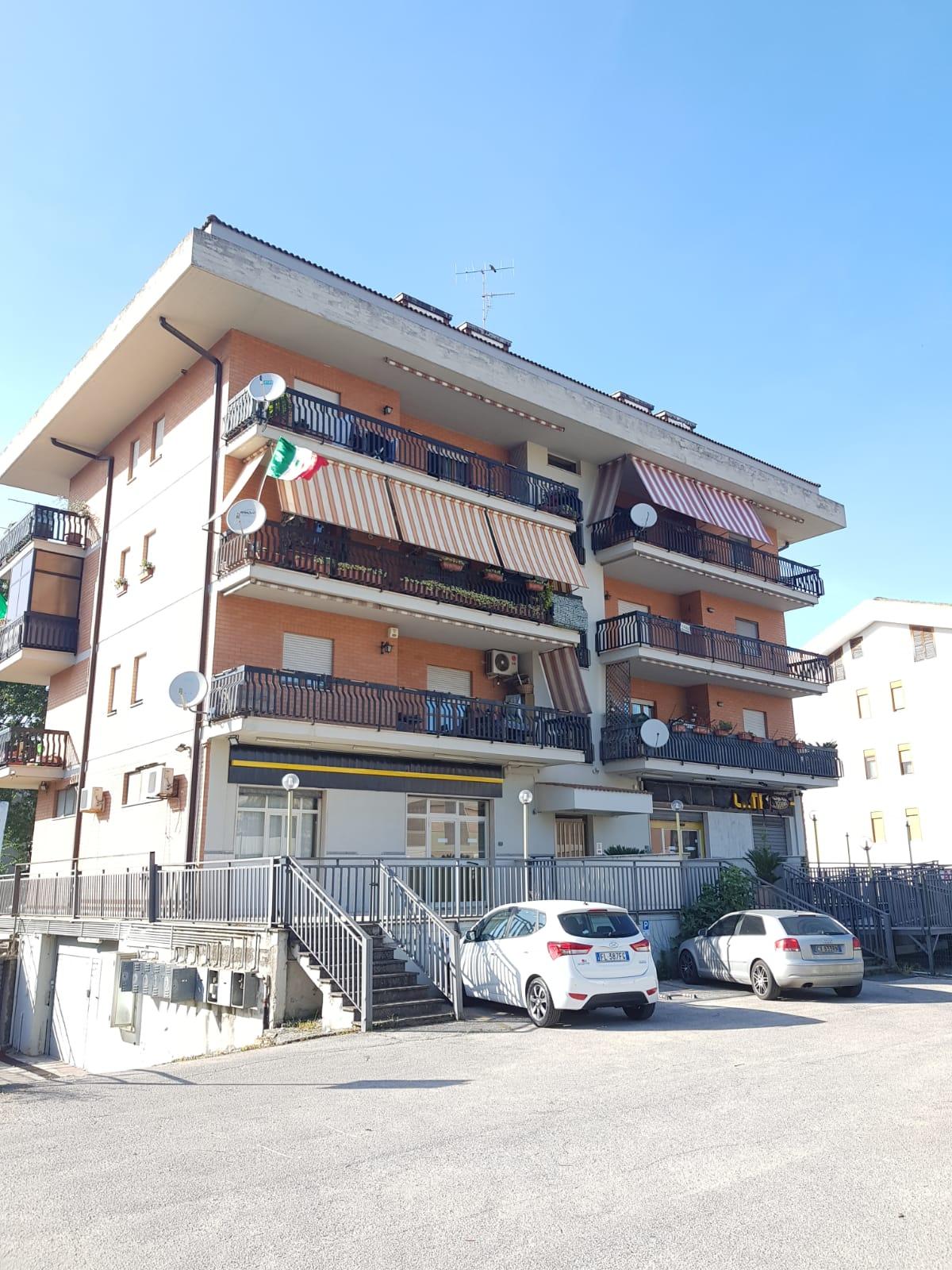 https://www.progettocasa1.it/immagini_immobili/22-05-2020/appartamento-vendita-colleferro-roma-via-fontana-bracchi16-678.jpg