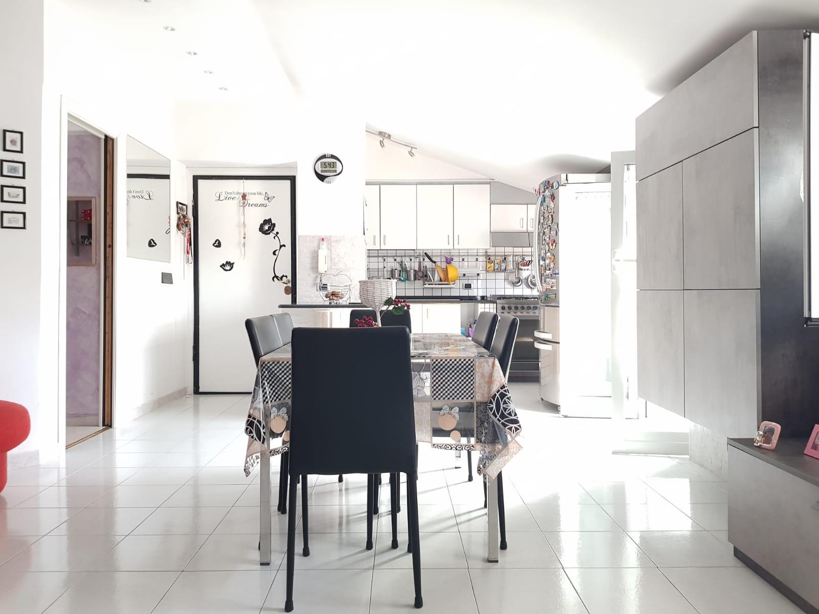 https://www.progettocasa1.it/immagini_immobili/22-05-2020/appartamento-vendita-colleferro-roma-via-fontana-bracchi16-681.jpg