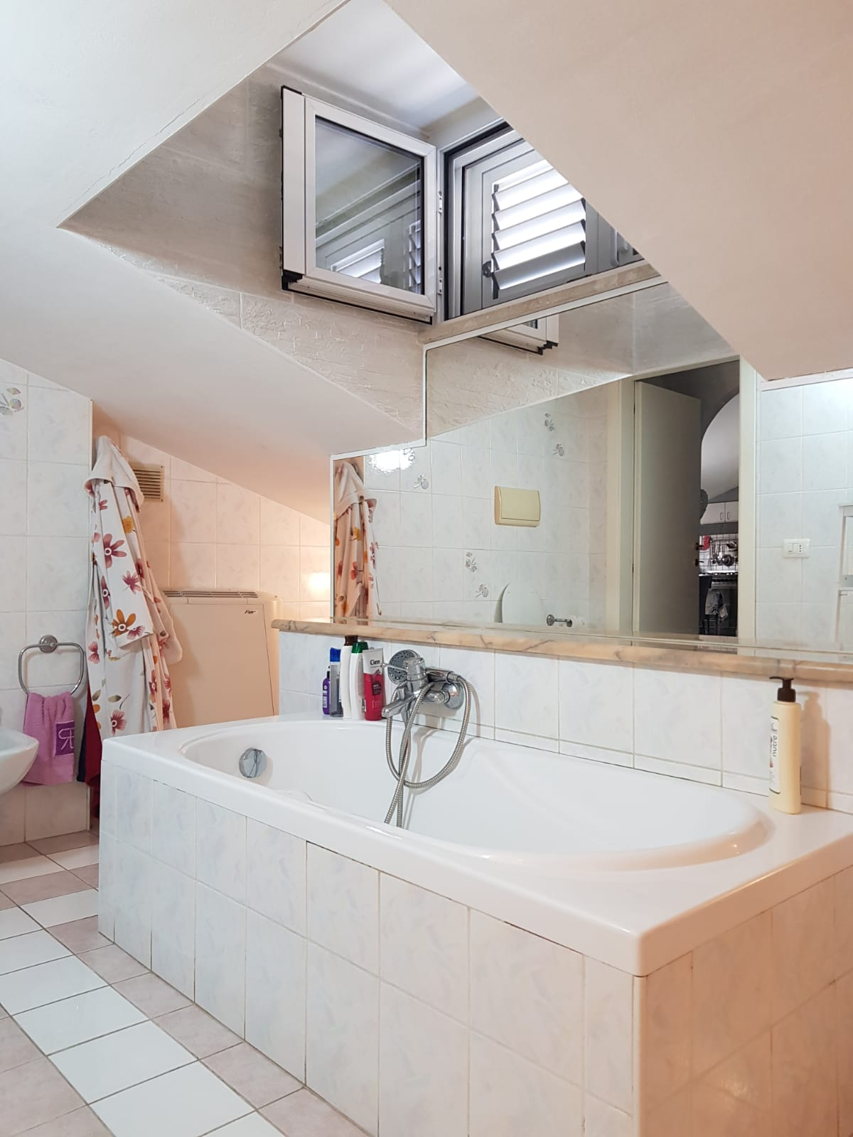 https://www.progettocasa1.it/immagini_immobili/22-05-2020/appartamento-vendita-colleferro-roma-via-fontana-bracchi16-687.jpg
