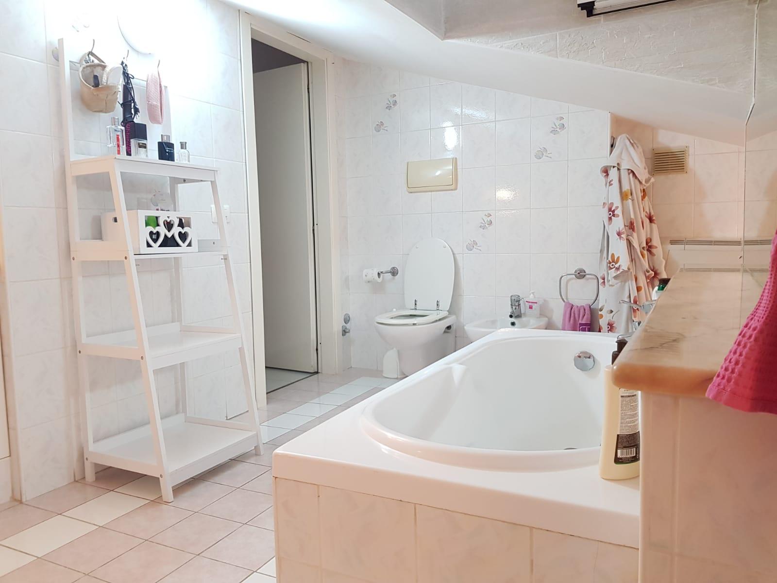 https://www.progettocasa1.it/immagini_immobili/22-05-2020/appartamento-vendita-colleferro-roma-via-fontana-bracchi16-876.jpg