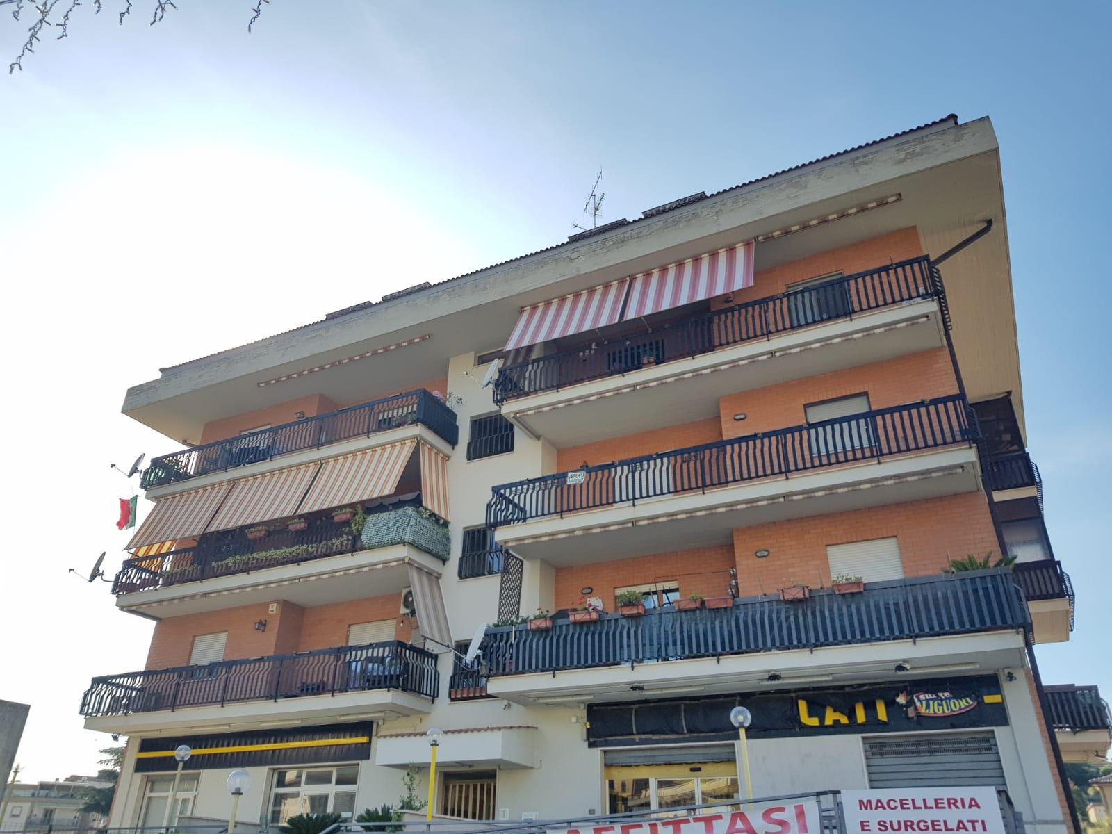 https://www.progettocasa1.it/immagini_immobili/22-05-2020/appartamento-vendita-colleferro-roma-via-fontana-bracchi16-882.jpg