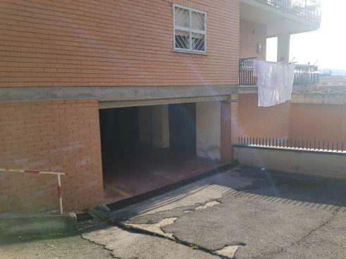 https://www.progettocasa1.it/immagini_immobili/23-01-2020/garage-vendita-colleferro-roma-via-donatello-11-697.jpg