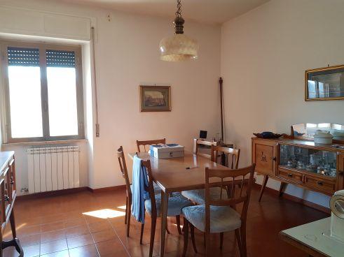 https://www.progettocasa1.it/immagini_immobili/24-02-2020/appartamento-vendita-colleferro-roma-via-manzoni-3-525.jpg