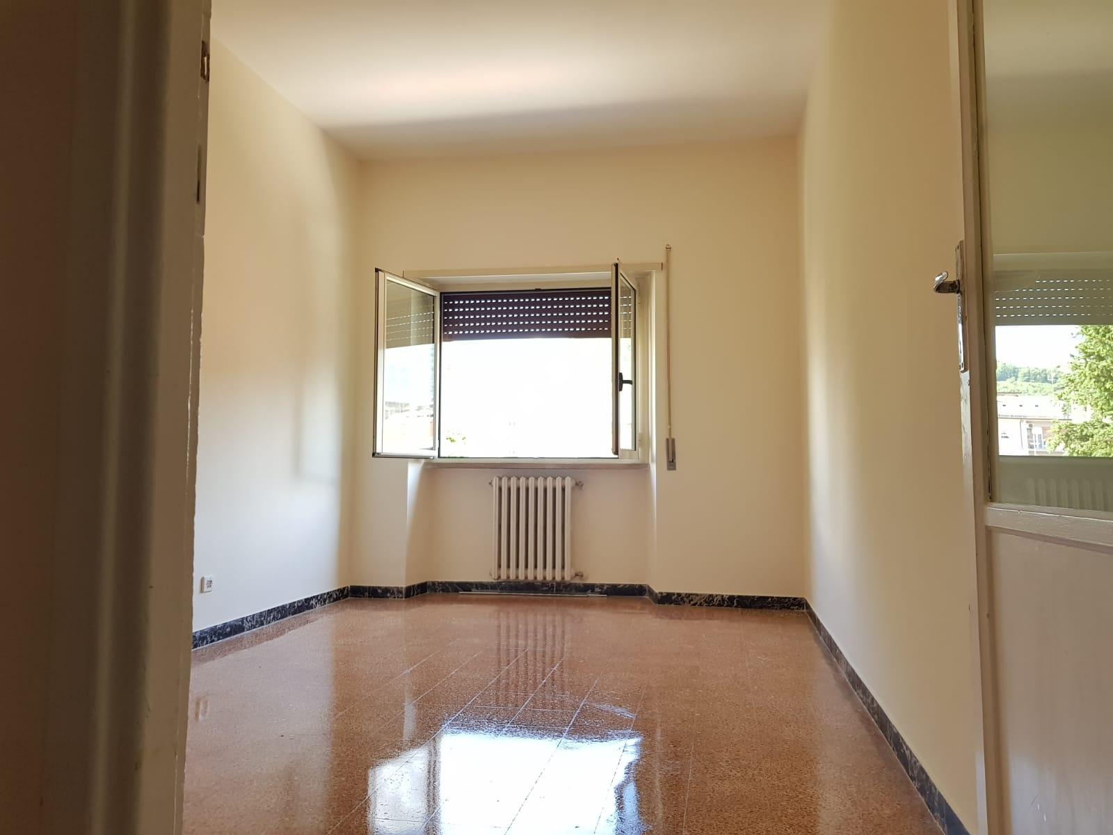 https://www.progettocasa1.it/immagini_immobili/24-06-2019/appartamento-affitto-colleferro-roma-via-martiri-delle-fosse-ardeatine-741.jpg