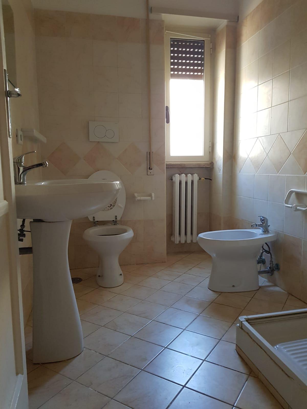 https://www.progettocasa1.it/immagini_immobili/24-06-2019/appartamento-affitto-colleferro-roma-via-martiri-delle-fosse-ardeatine-934.jpg