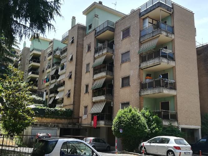 https://www.progettocasa1.it/immagini_immobili/24-06-2019/appartamento-vendita-colleferro-roma-via-delle-betulle-56-615.jpg