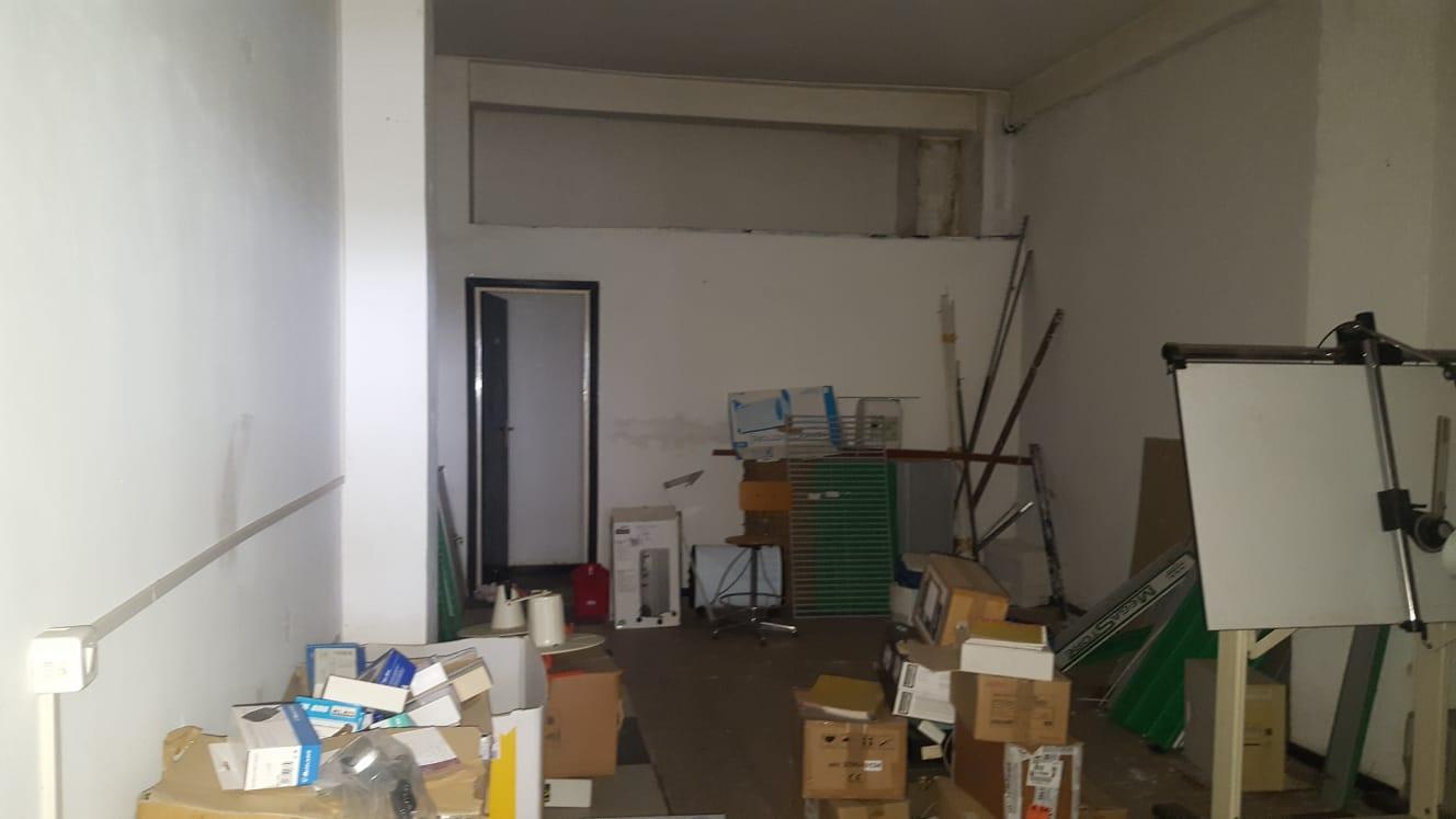 https://www.progettocasa1.it/immagini_immobili/24-06-2020/locale-commerciale-vendita-colleferro-roma-via-giacomo-leopardi-3-450.jpg