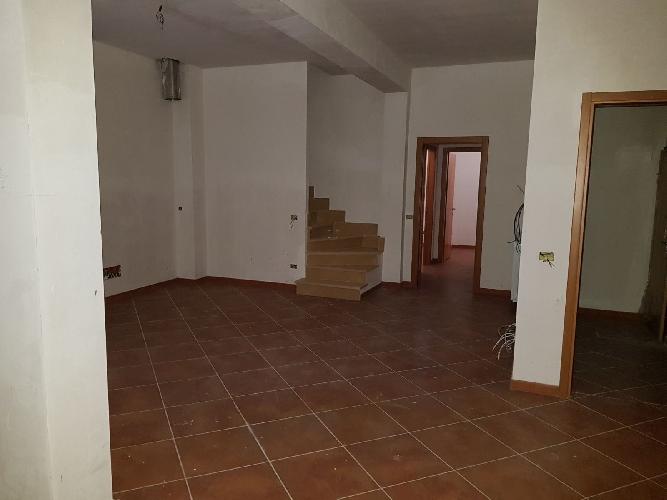 http://www.progettocasa1.it/immagini_immobili/24-11-2017/soluzione-indipendente-vendita-paliano-fr-san-procolo-1025.jpg