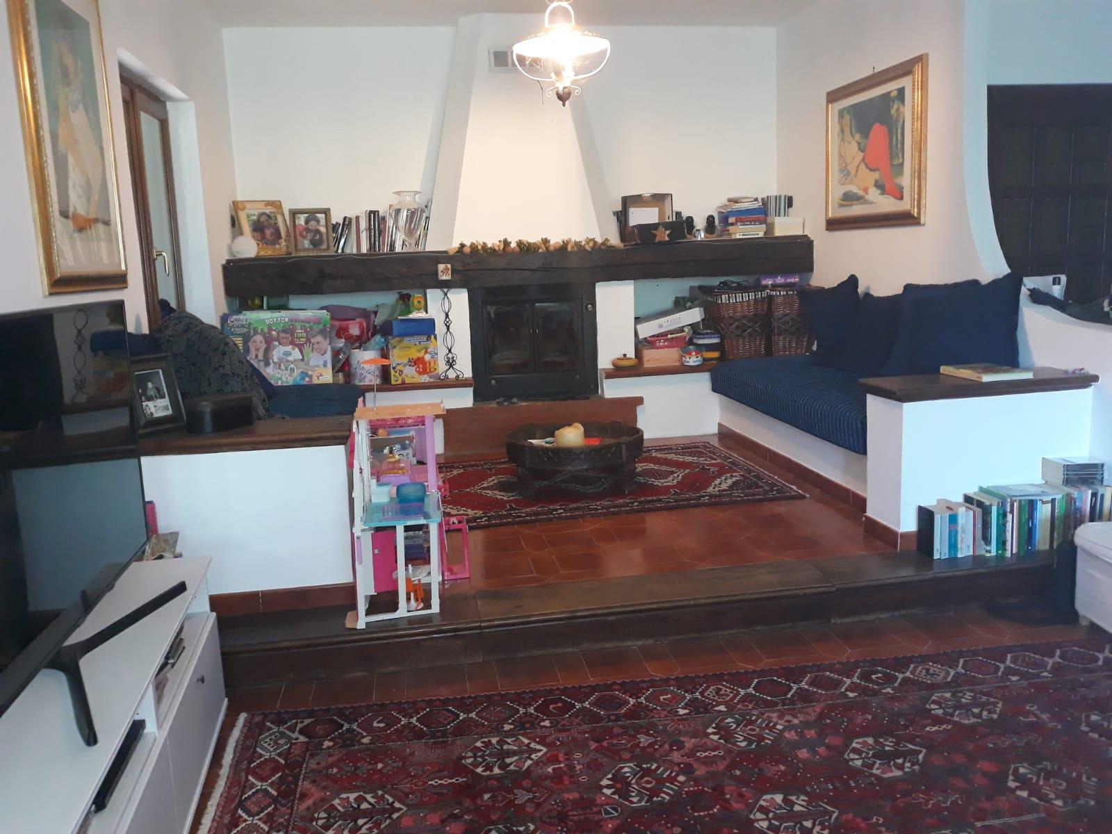 https://www.progettocasa1.it/immagini_immobili/25-02-2020/soluzione-indipendente-vendita-gorga-roma-san-marino-528.jpg