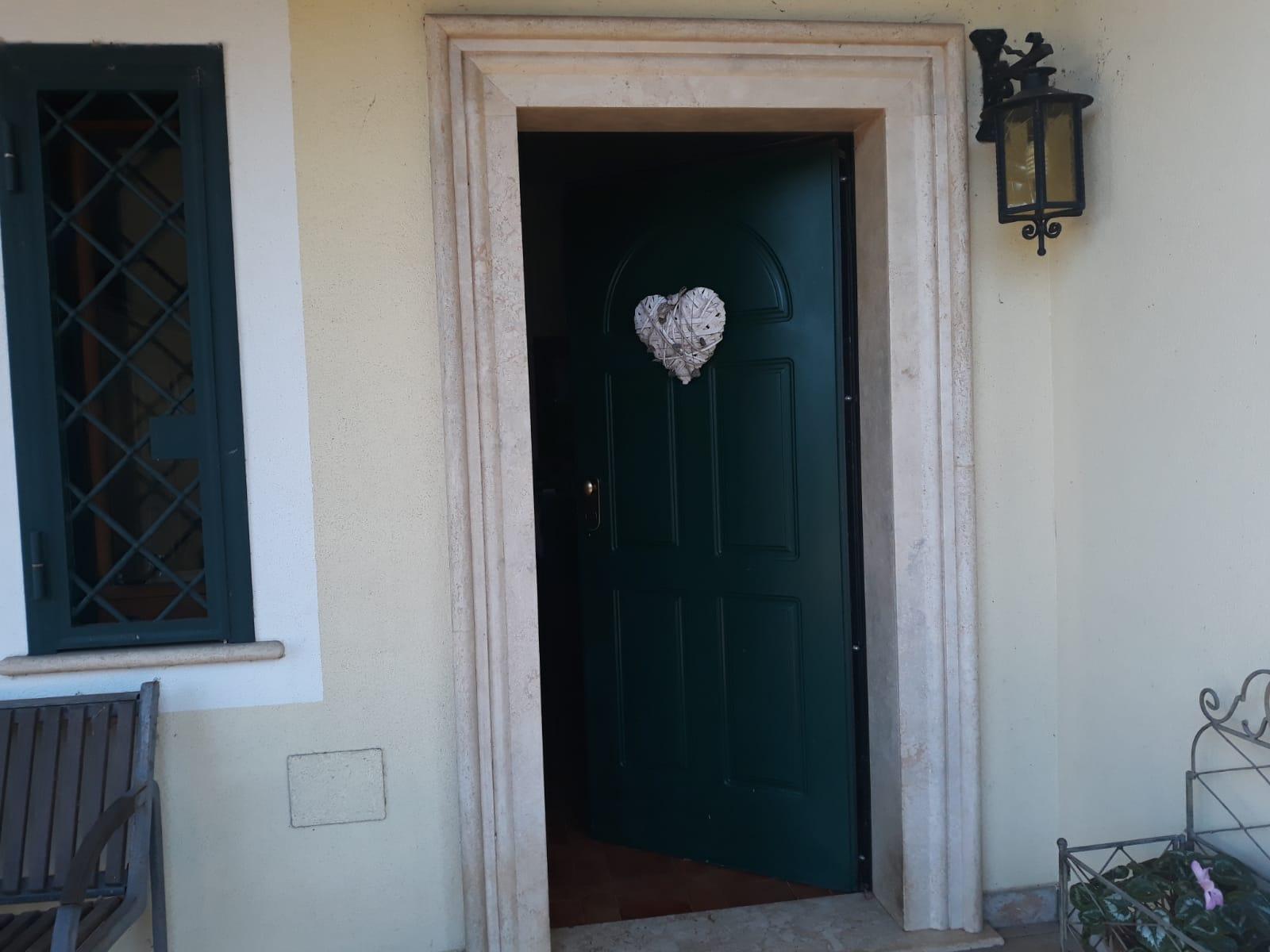 https://www.progettocasa1.it/immagini_immobili/25-02-2020/soluzione-indipendente-vendita-gorga-roma-san-marino-800.jpg