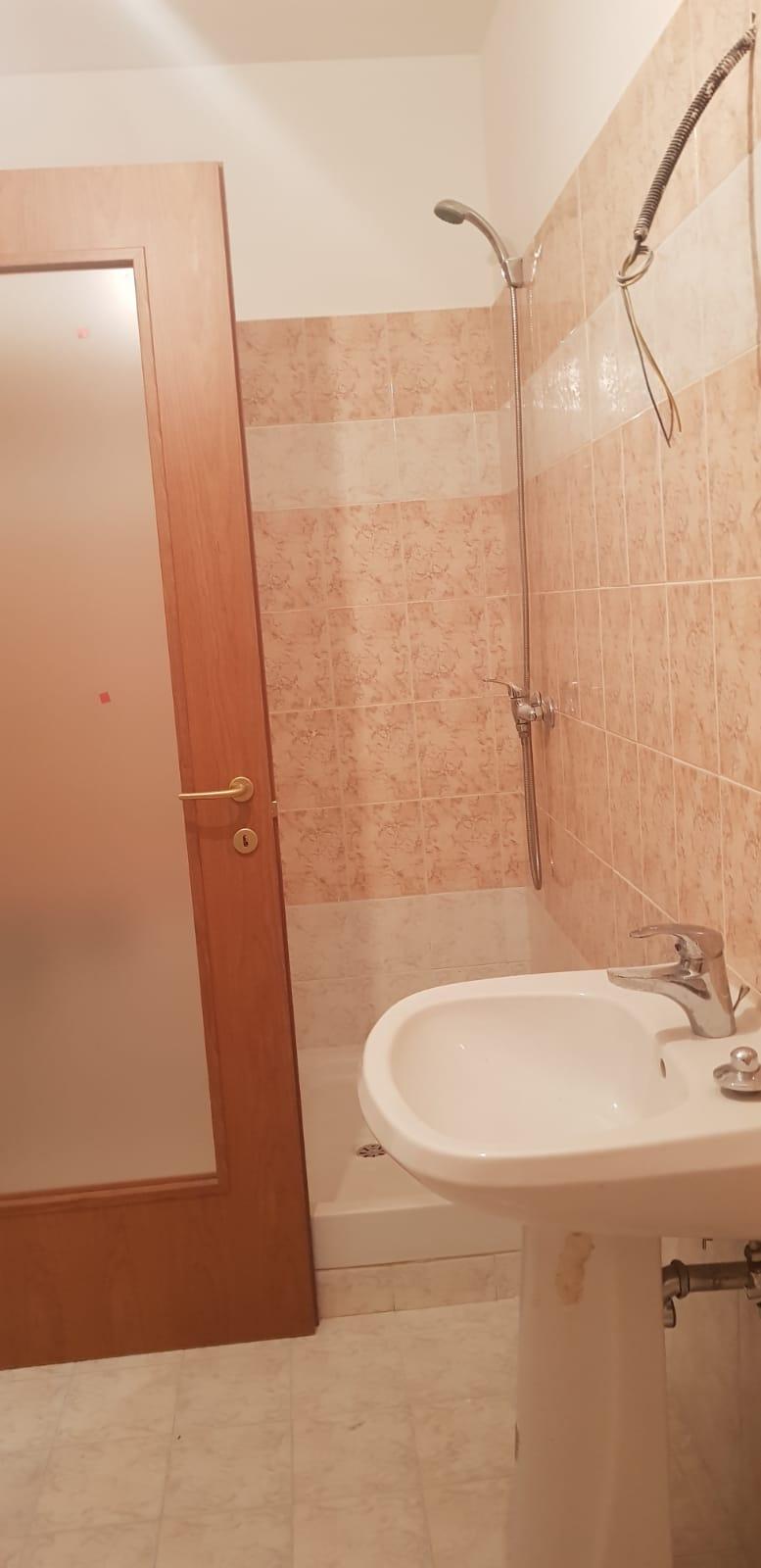 https://www.progettocasa1.it/immagini_immobili/25-07-2018/appartamento-vendita-gavignano-roma--264.jpg
