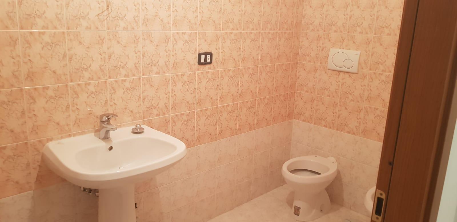 https://www.progettocasa1.it/immagini_immobili/25-07-2018/appartamento-vendita-gavignano-roma--269.jpg