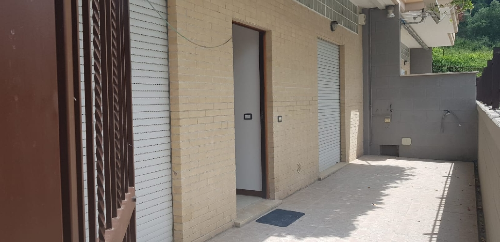 https://www.progettocasa1.it/immagini_immobili/25-07-2018/appartamento-vendita-gavignano-roma--500.jpg