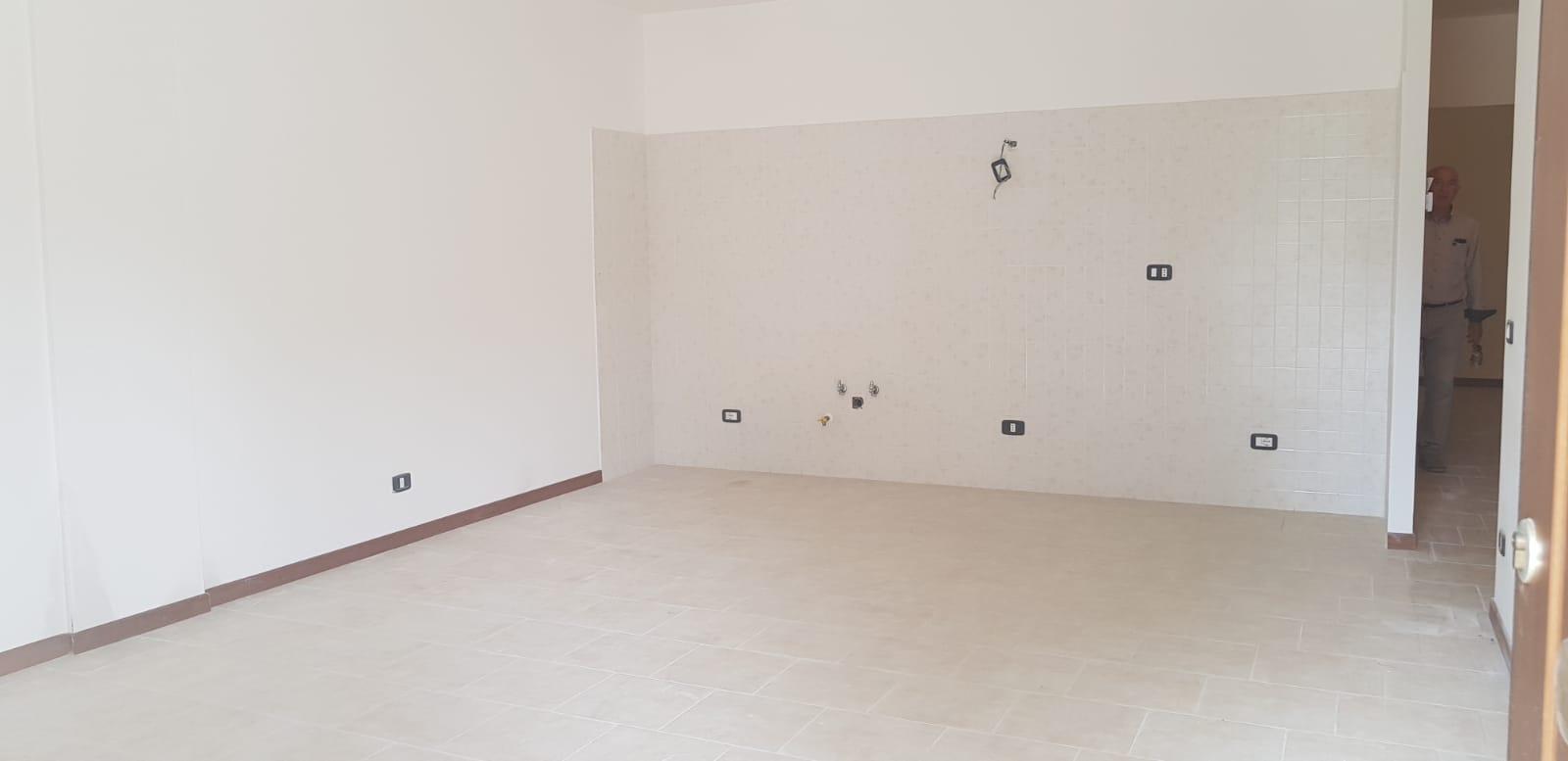 https://www.progettocasa1.it/immagini_immobili/25-07-2018/appartamento-vendita-gavignano-roma--90.jpg