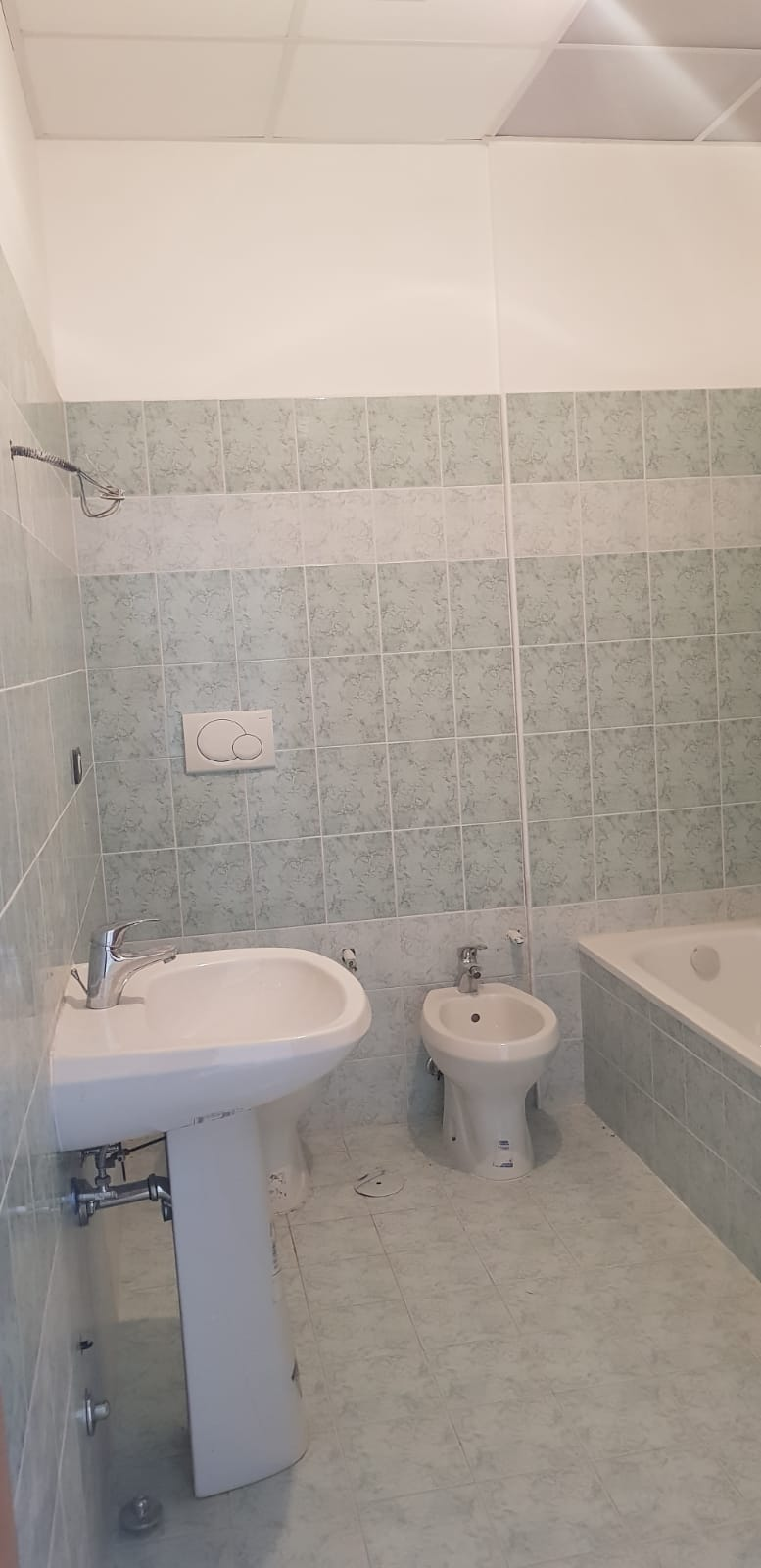 https://www.progettocasa1.it/immagini_immobili/25-07-2018/appartamento-vendita-gavignano-roma--98.jpg