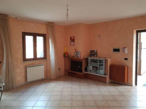 https://www.progettocasa1.it/immagini_immobili/25-08-2021/appartamento-vendita-colleferro-roma-via-dei-gelsi-736.jpg