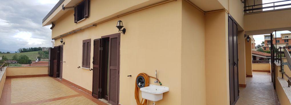 https://www.progettocasa1.it/immagini_immobili/25-09-2020/appartamento-vendita-colleferro-roma-via-dei-gelsi4-861.jpg