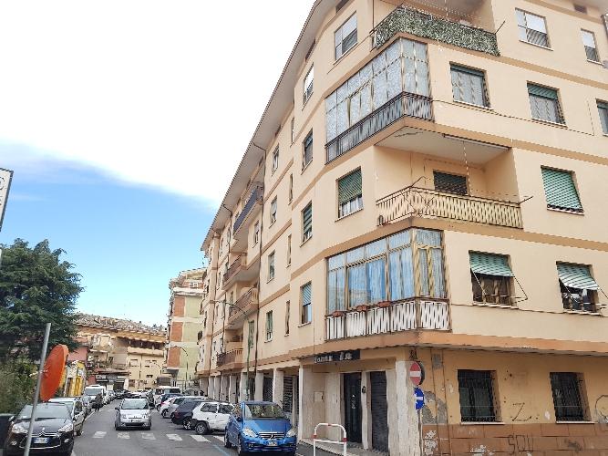 https://www.progettocasa1.it/immagini_immobili/26-02-2019/appartamento-vendita-colleferro-roma-via-giuseppe-di-vittorio-34-451.jpg