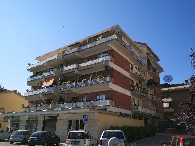 https://www.progettocasa1.it/immagini_immobili/26-05-2020/appartamento-vendita-colleferro-roma-via-consolare-latina-65-362.jpg