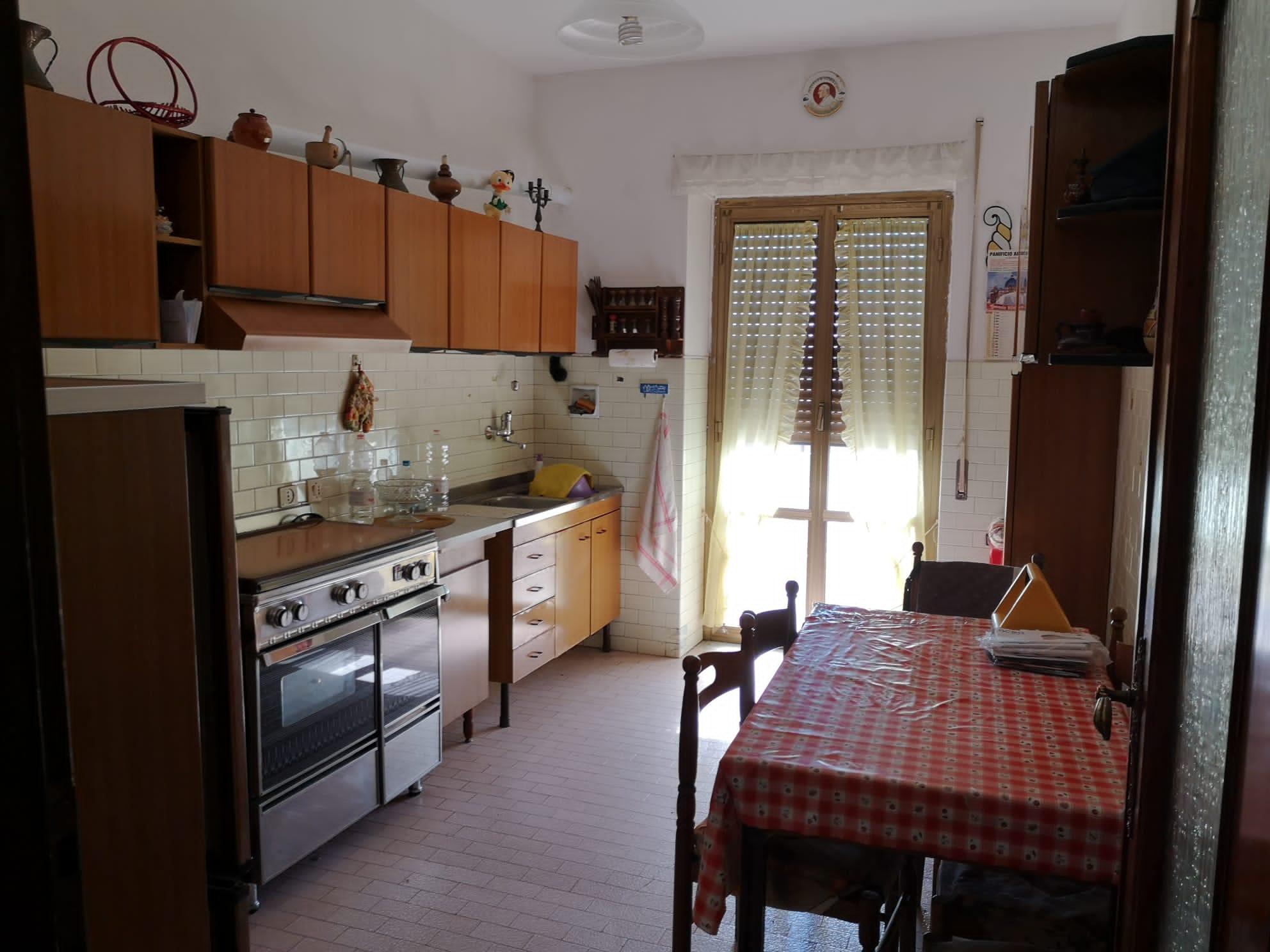 https://www.progettocasa1.it/immagini_immobili/26-05-2020/appartamento-vendita-colleferro-roma-via-consolare-latina-65-430.jpg