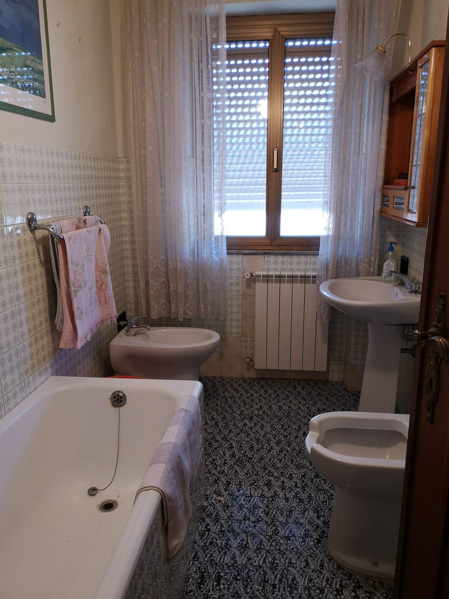 https://www.progettocasa1.it/immagini_immobili/26-05-2020/appartamento-vendita-colleferro-roma-via-consolare-latina-65-434.jpg
