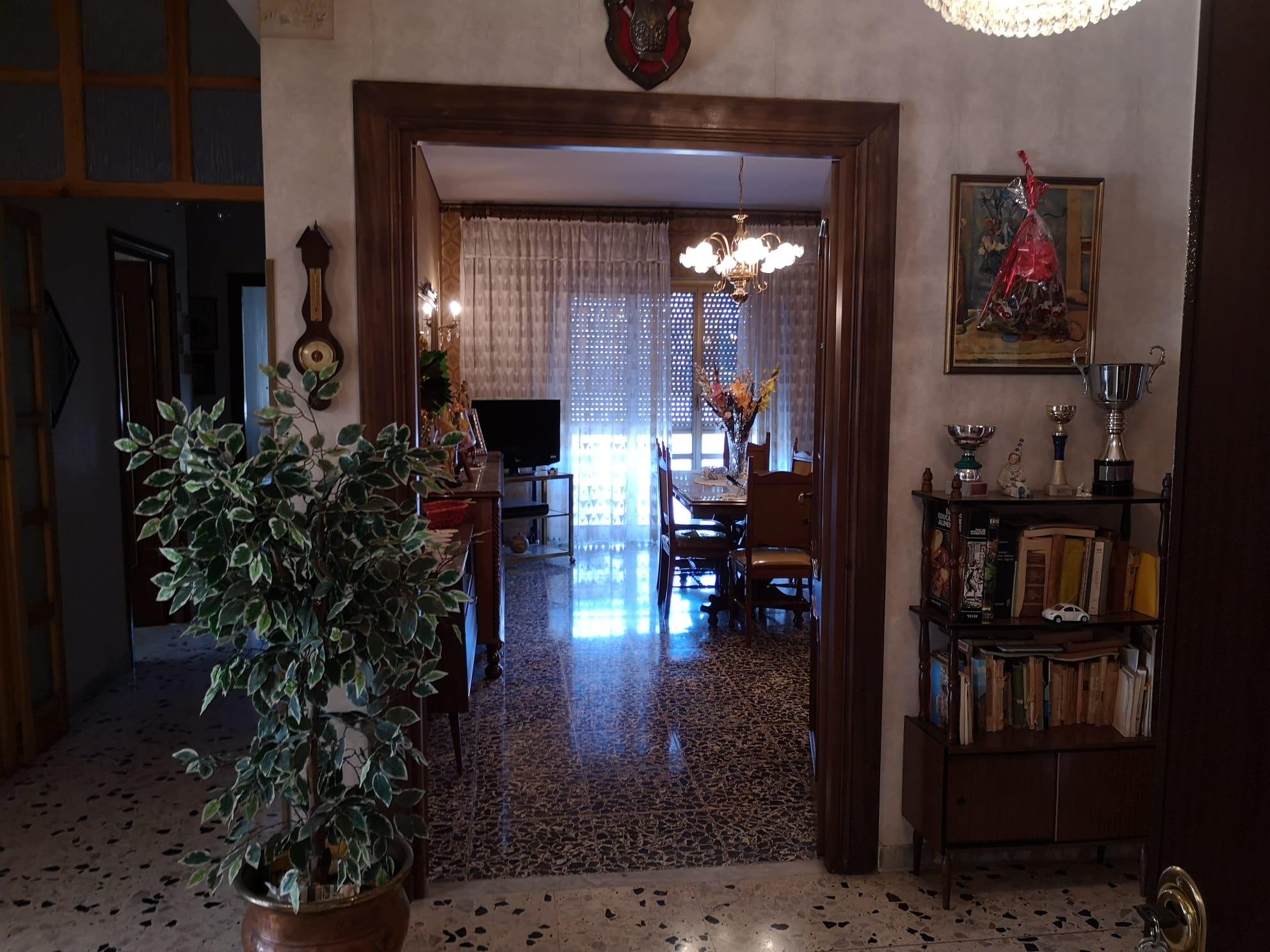 https://www.progettocasa1.it/immagini_immobili/26-05-2020/appartamento-vendita-colleferro-roma-via-consolare-latina-65-437.jpg