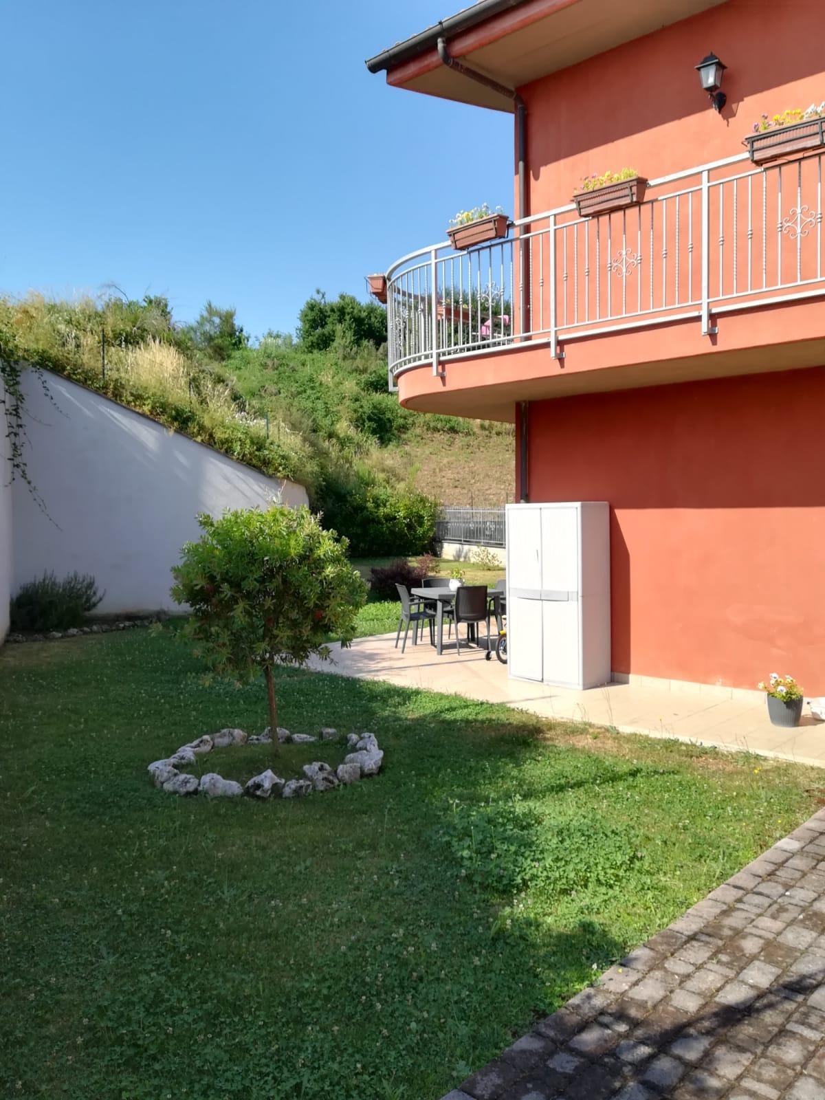https://www.progettocasa1.it/immagini_immobili/26-07-2019/soluzione-indipendente-affitto-colleferro-roma-via-latina-244-426.jpg