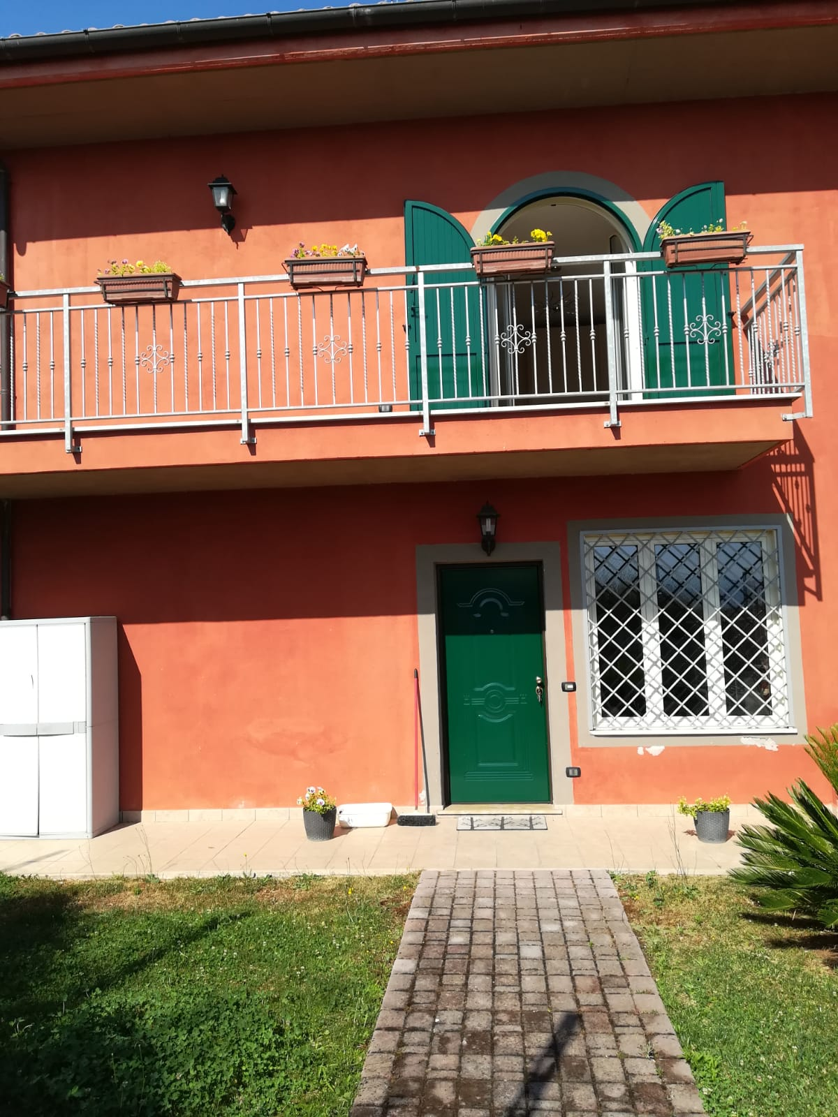https://www.progettocasa1.it/immagini_immobili/26-07-2019/soluzione-indipendente-affitto-colleferro-roma-via-latina-244-428.jpg
