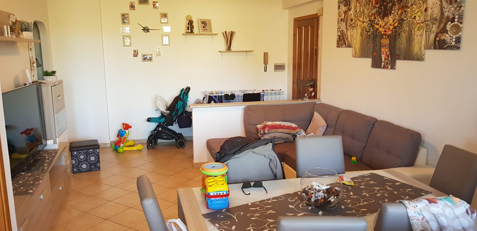 https://www.progettocasa1.it/immagini_immobili/27-02-2019/appartamento-vendita-colleferro-roma-via-dei-pioppi-84-436.jpg