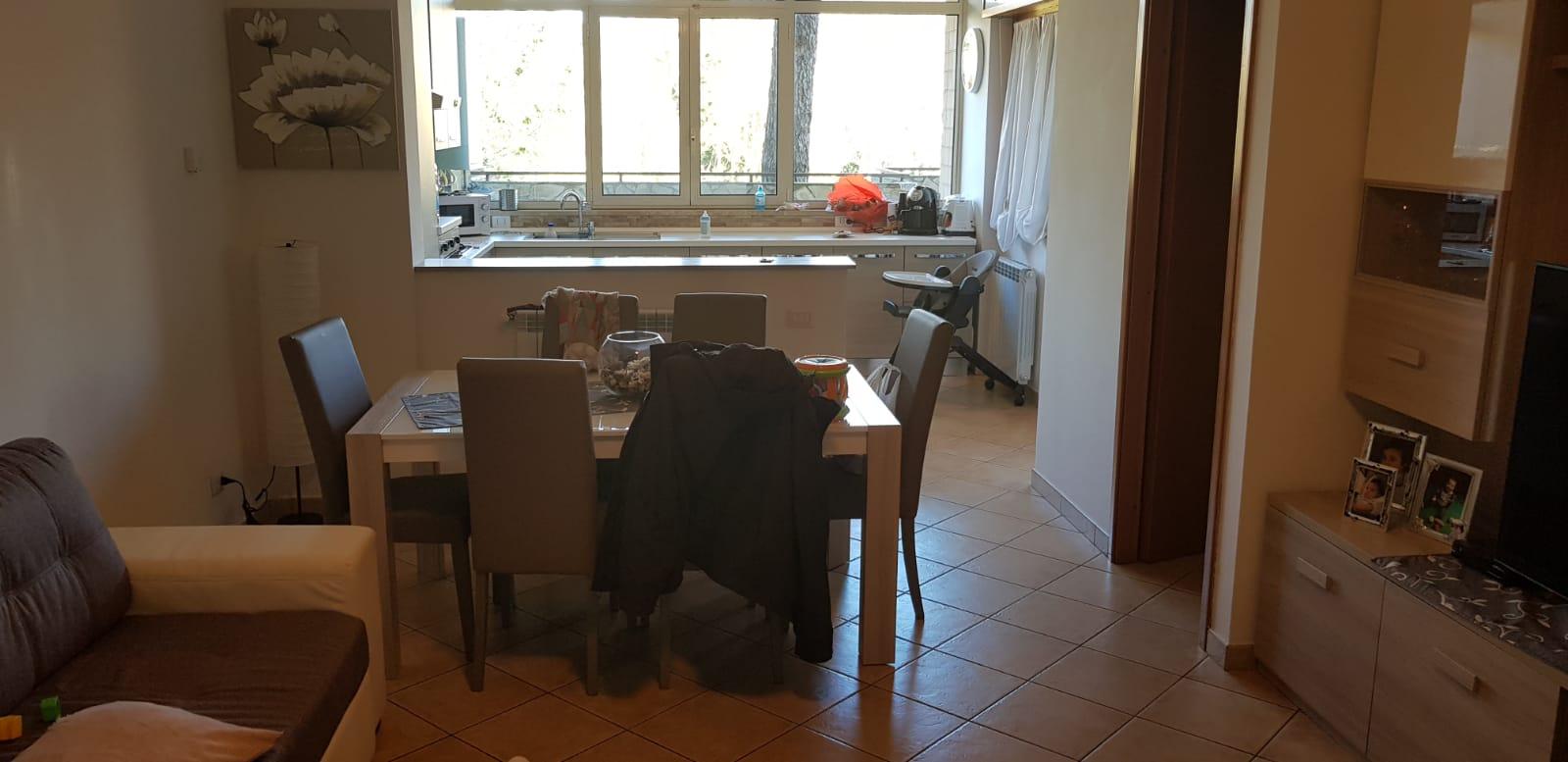 https://www.progettocasa1.it/immagini_immobili/27-02-2019/appartamento-vendita-colleferro-roma-via-dei-pioppi-84-440.jpg