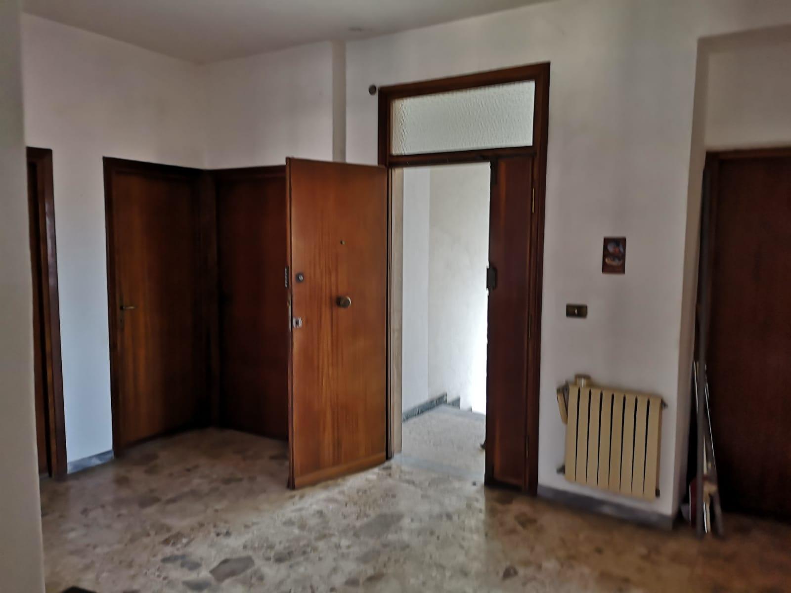 https://www.progettocasa1.it/immagini_immobili/27-06-2019/appartamento-vendita-colleferro-roma-via-traiana19-538.jpg