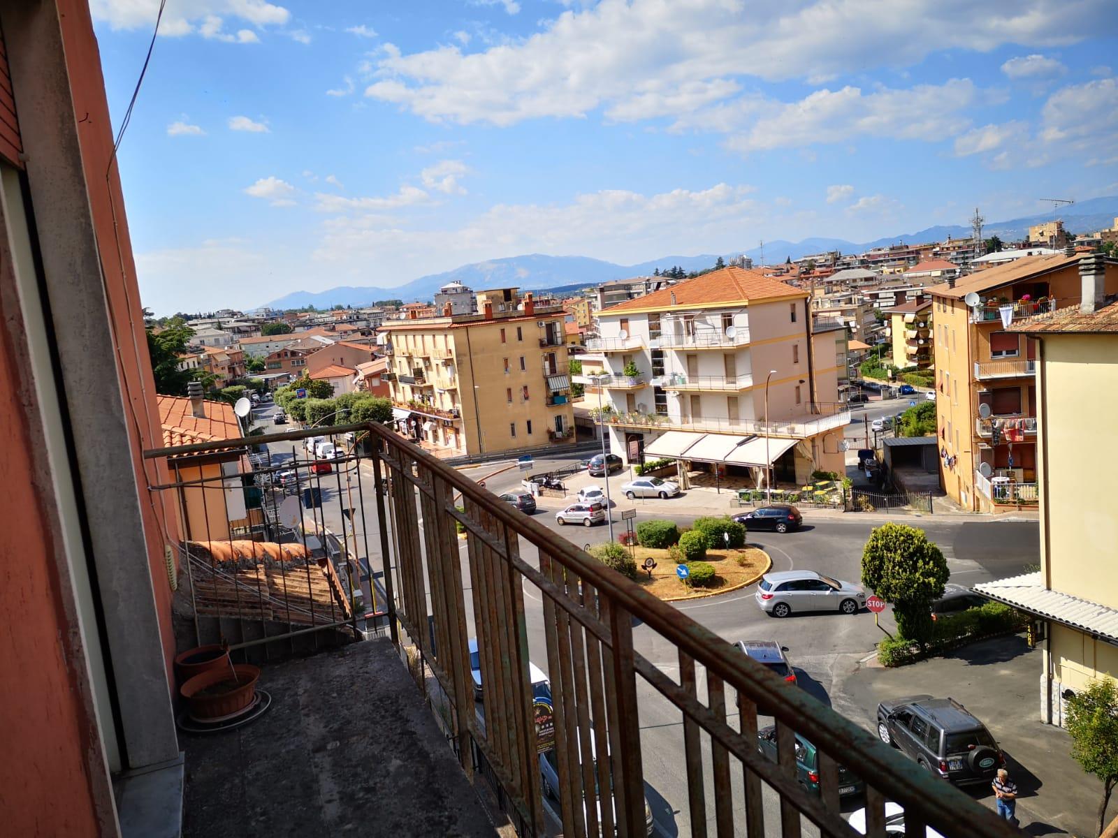 https://www.progettocasa1.it/immagini_immobili/27-06-2019/appartamento-vendita-colleferro-roma-via-traiana19-550.jpg