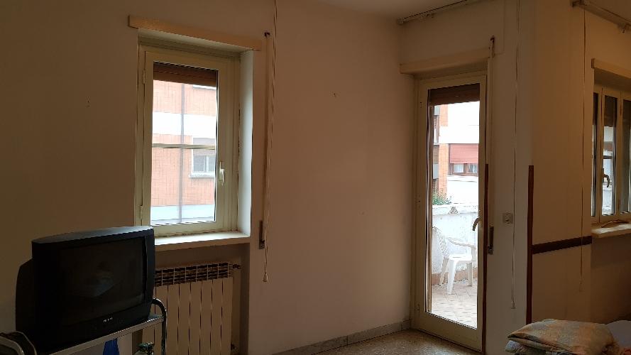 http://www.progettocasa1.it/immagini_immobili/27-09-2017/appartamento-vendita-colleferro-roma-via-alessandro-manzoni-3-460.jpg