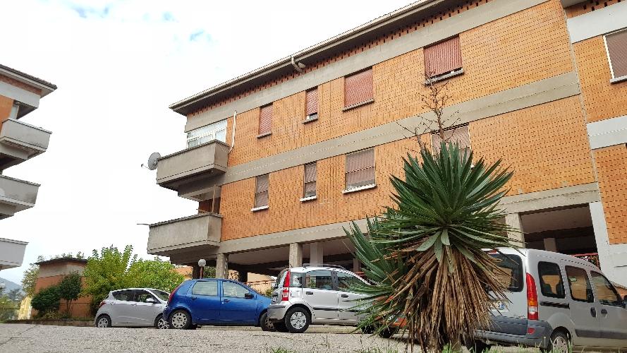 http://www.progettocasa1.it/immagini_immobili/27-09-2017/appartamento-vendita-colleferro-roma-via-alessandro-manzoni-3-703.jpg