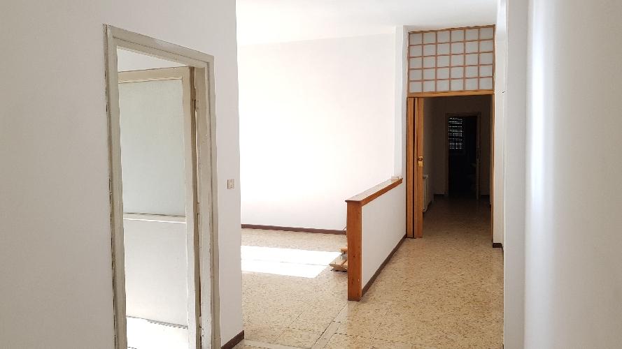 http://www.progettocasa1.it/immagini_immobili/27-10-2017/appartamento-vendita-colleferro-roma-via-pier-gobetti-12-904.jpg