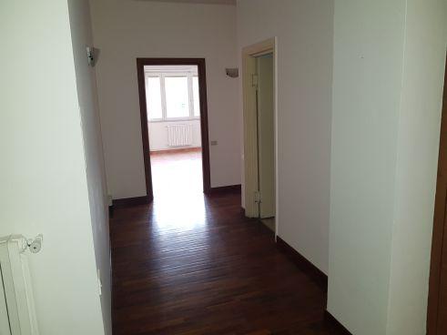 https://www.progettocasa1.it/immagini_immobili/27-11-2018/ufficio-affitto-colleferro-roma-viale-25-aprile-221.jpg