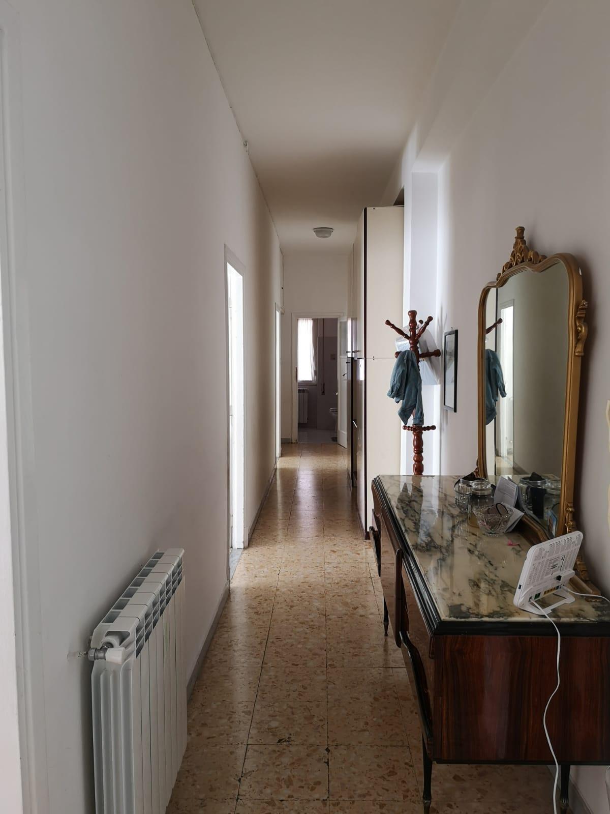 https://www.progettocasa1.it/immagini_immobili/27-11-2019/appartamento-vendita-colleferro-roma-via-pier-gobetti-12-410.jpg