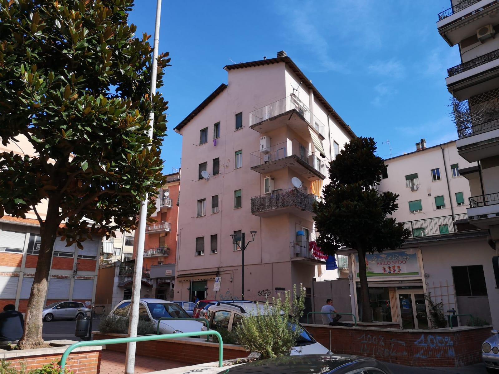 https://www.progettocasa1.it/immagini_immobili/27-11-2019/appartamento-vendita-colleferro-roma-via-pier-gobetti-12-631.jpg
