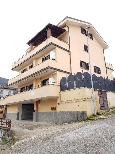 https://www.progettocasa1.it/immagini_immobili/28-01-2019/appartamento-vendita-colleferro-roma-via-dei-gelsi-4-720.jpg