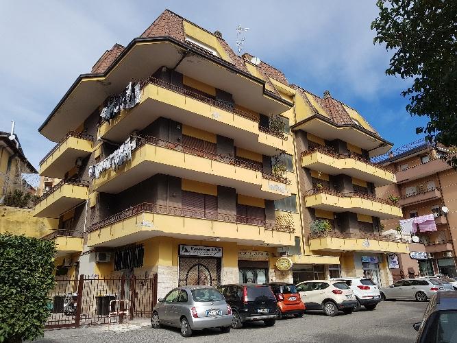 https://www.progettocasa1.it/immagini_immobili/28-02-2019/appartamento-vendita-colleferro-roma-via-fontana-delloste-32-801.jpg